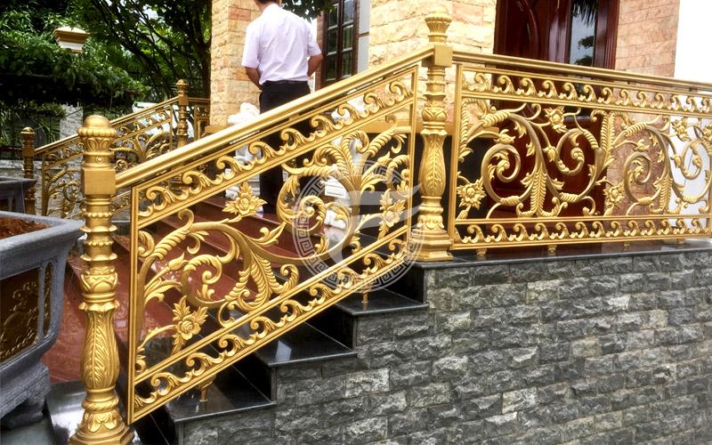 Cầu thang nhôm đúc MQP - CT02