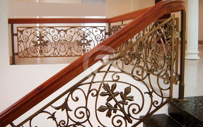 Cầu thang nhôm đúc MQP - CT08