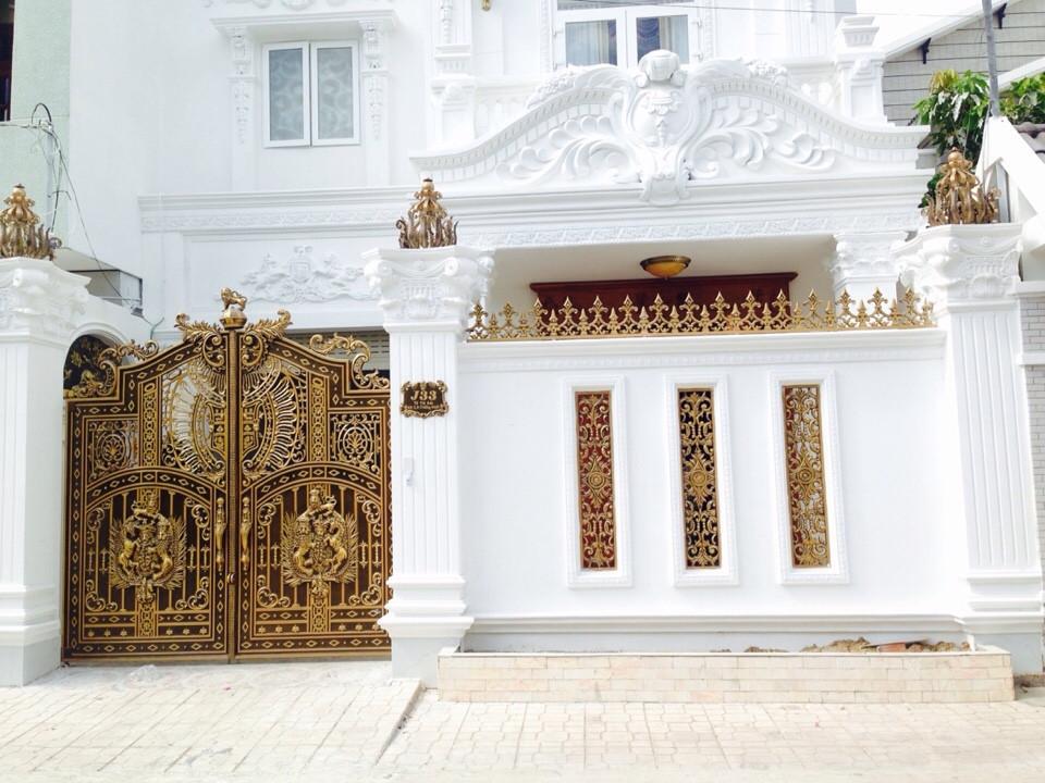 Cổng nhôm đúc Mạnh Quân Phát Nha Trang :Thi công cổng nhôm đúc tại Nha Trang