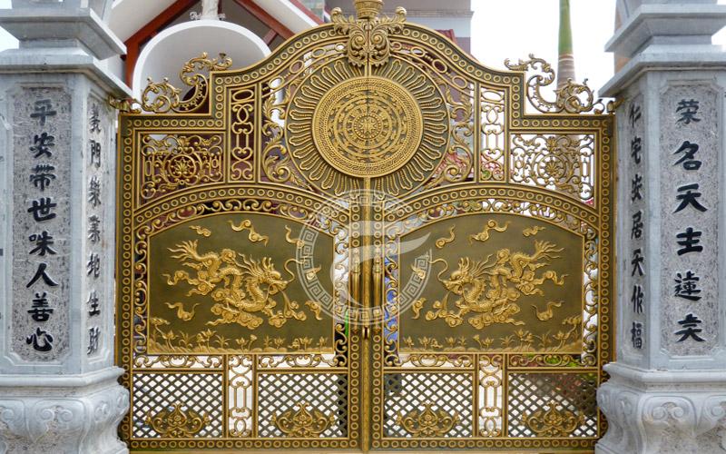 Thi công cổng nhà biệt thự-Cổng nhôm đúc tại Kiên Giang