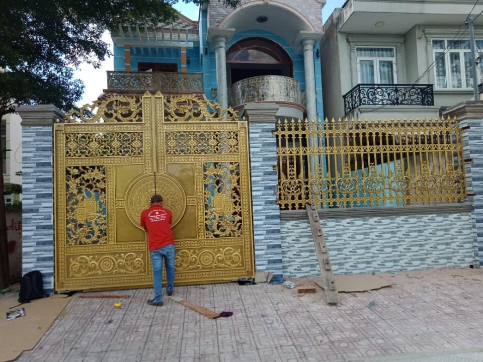 Thi công lắp đặt Cổng nhôm đúc tại Tân Phong Biên Hòa Đồng Nai